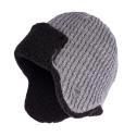 Jasnoszara ciepła męska zimowa czapka uszatka