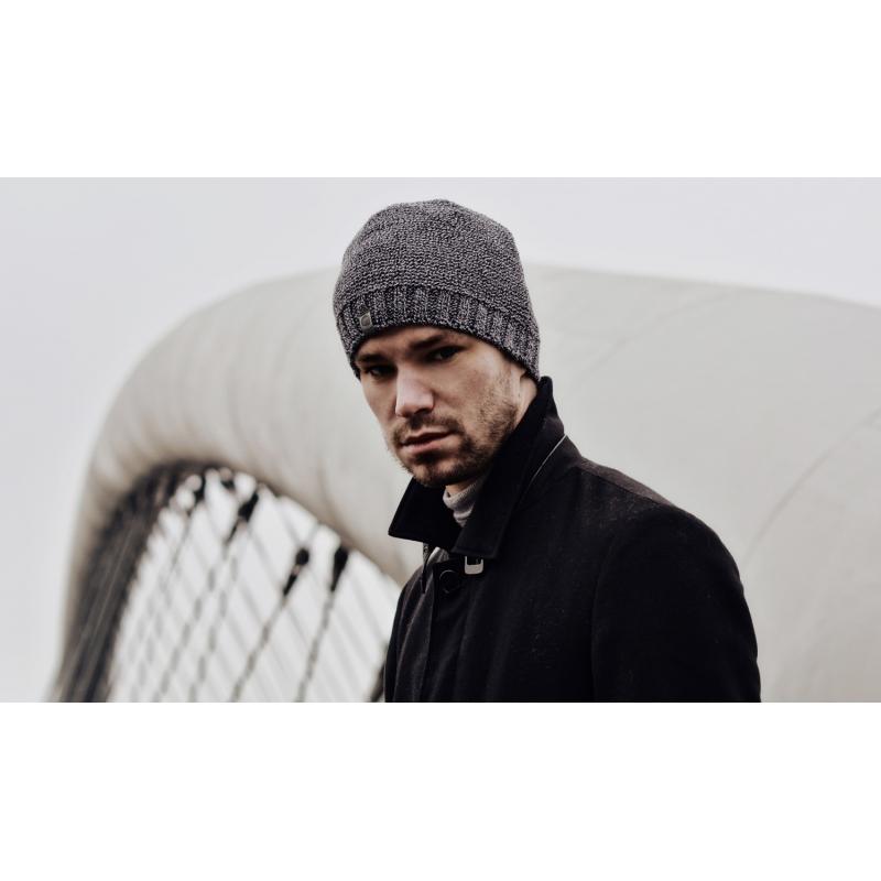 ca379c72e24df5 Czarna stylowa męska czapka zimowa - Gentle Man